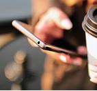 Telefon komórkowy w ręce