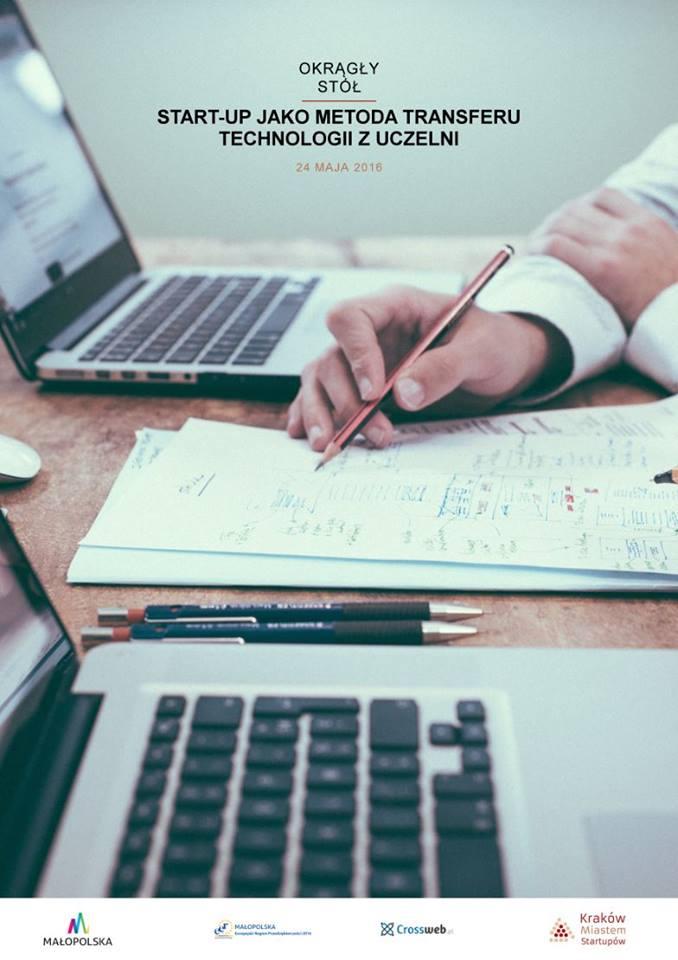 Plakat wydarzenia przedstawijący biurko z laptopem i papierami